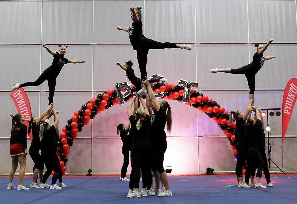 cheerleadin höntsy