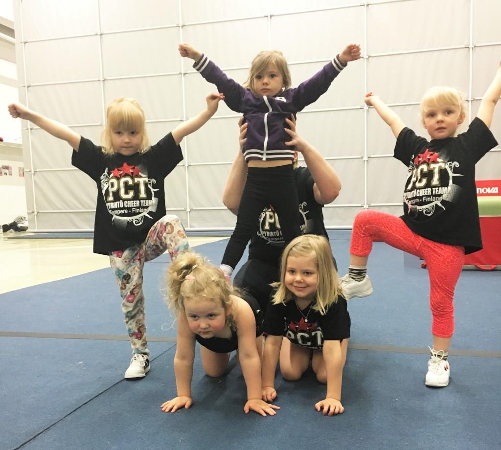 Tampere Cheerleeading Pyrintö lapset harrastaa