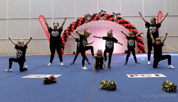 Pyrintö Cheer Team Candles Kynttilät uusi harrastus tampere