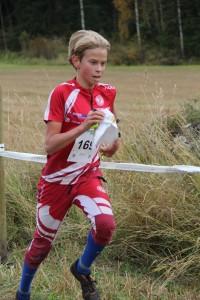 Leo Matinheikki, H14, juoksi sprinttiviikon miesten sarjan voittoon.