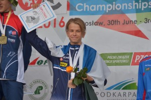 Leo Matinheikki EM-pronssia H16 sprintti. Kuva: Severi Eerola