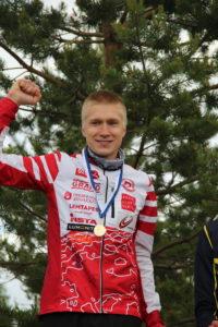 Eliakselle SM-kulta ja muutenkin SM-keskimatkalta huippumenestys: 4 kultaa, 1 hopea ja 2 pronssia, 5 plakettia ja peräti 85 SM-pistettä