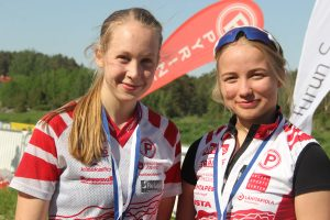 D16 Isabella Lillqvist 5. ja Emma Jussila, 8.
